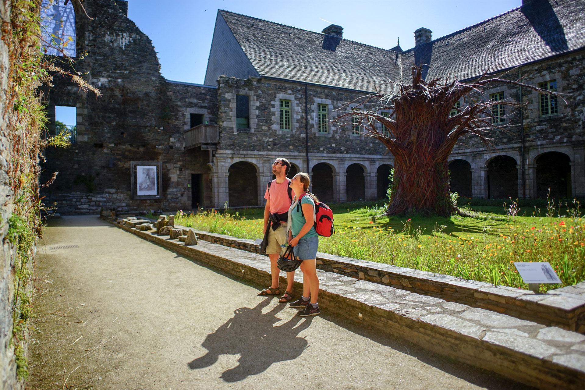 Abbaye de Bon Repos, Bon-Repos-sur-Blavet