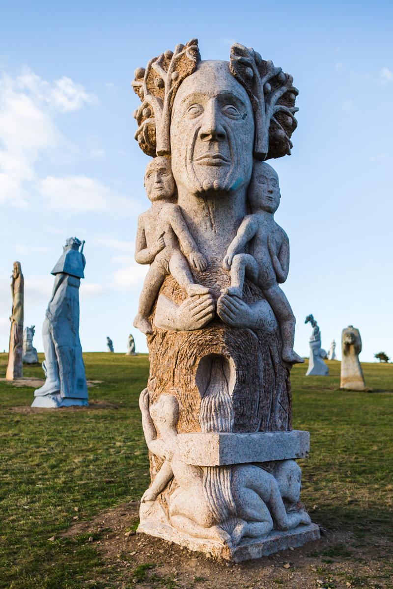Statue de la Vallée des Saints, Carnoët