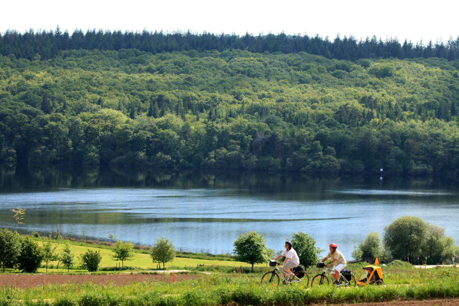 Vélo proche du Lac de Guerlédan