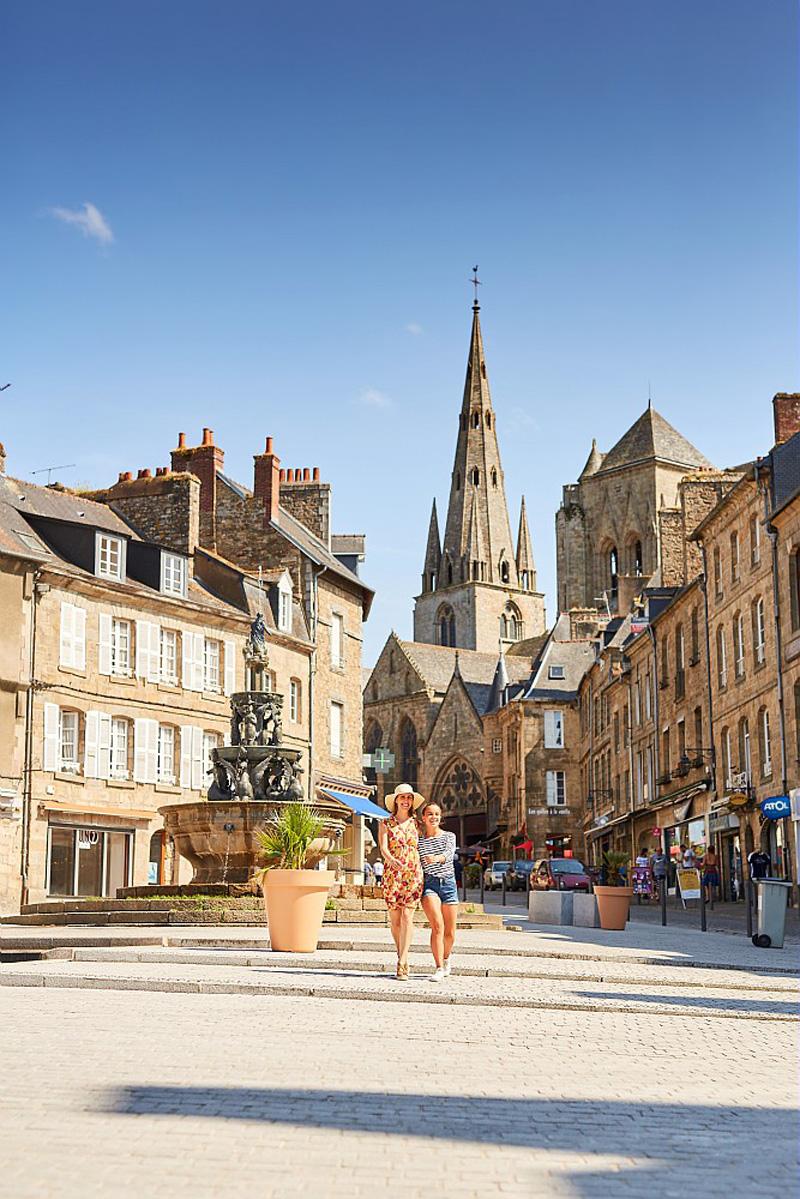 Place du centre, Guingamp