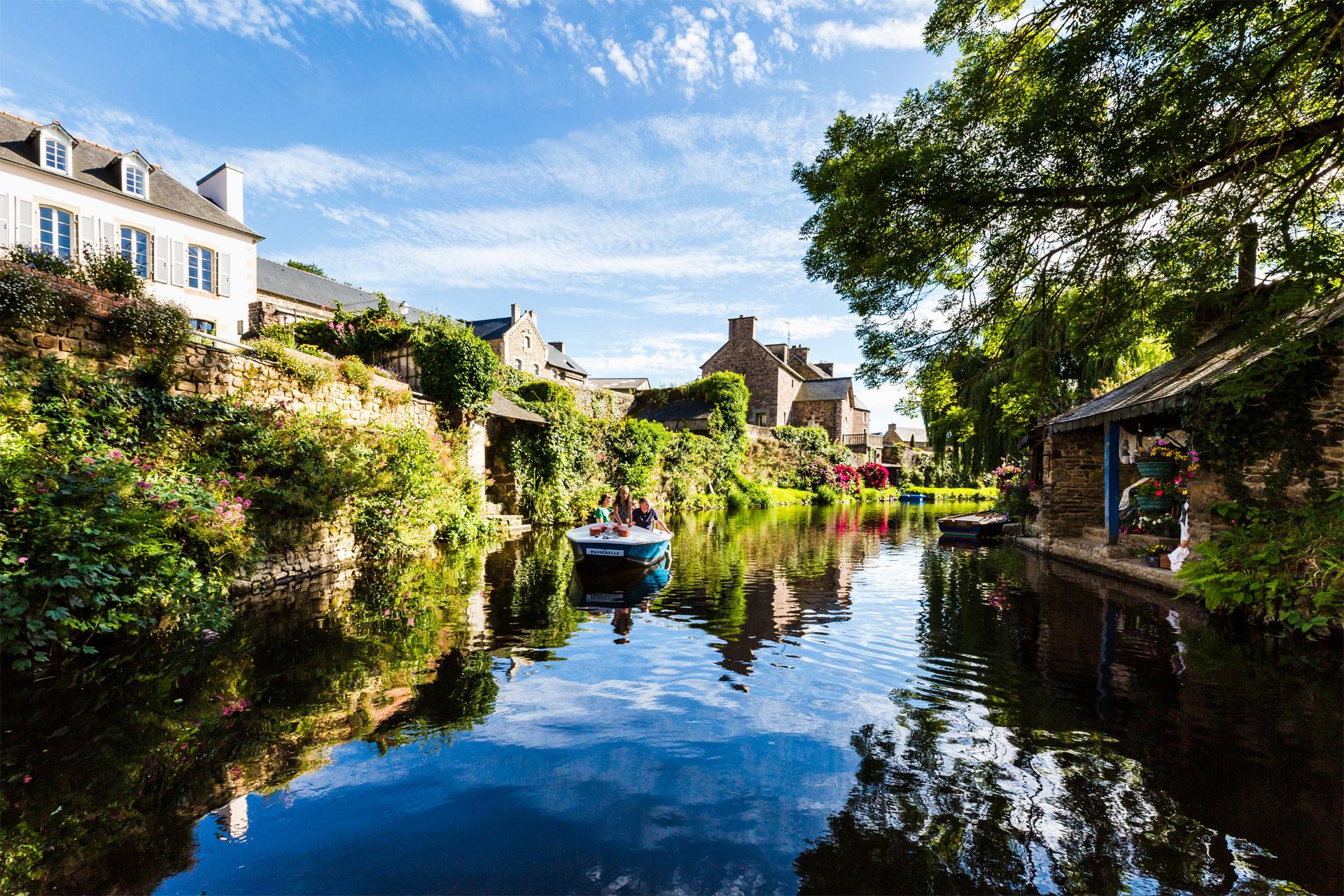 Barques sur le Trieux, Pontrieux