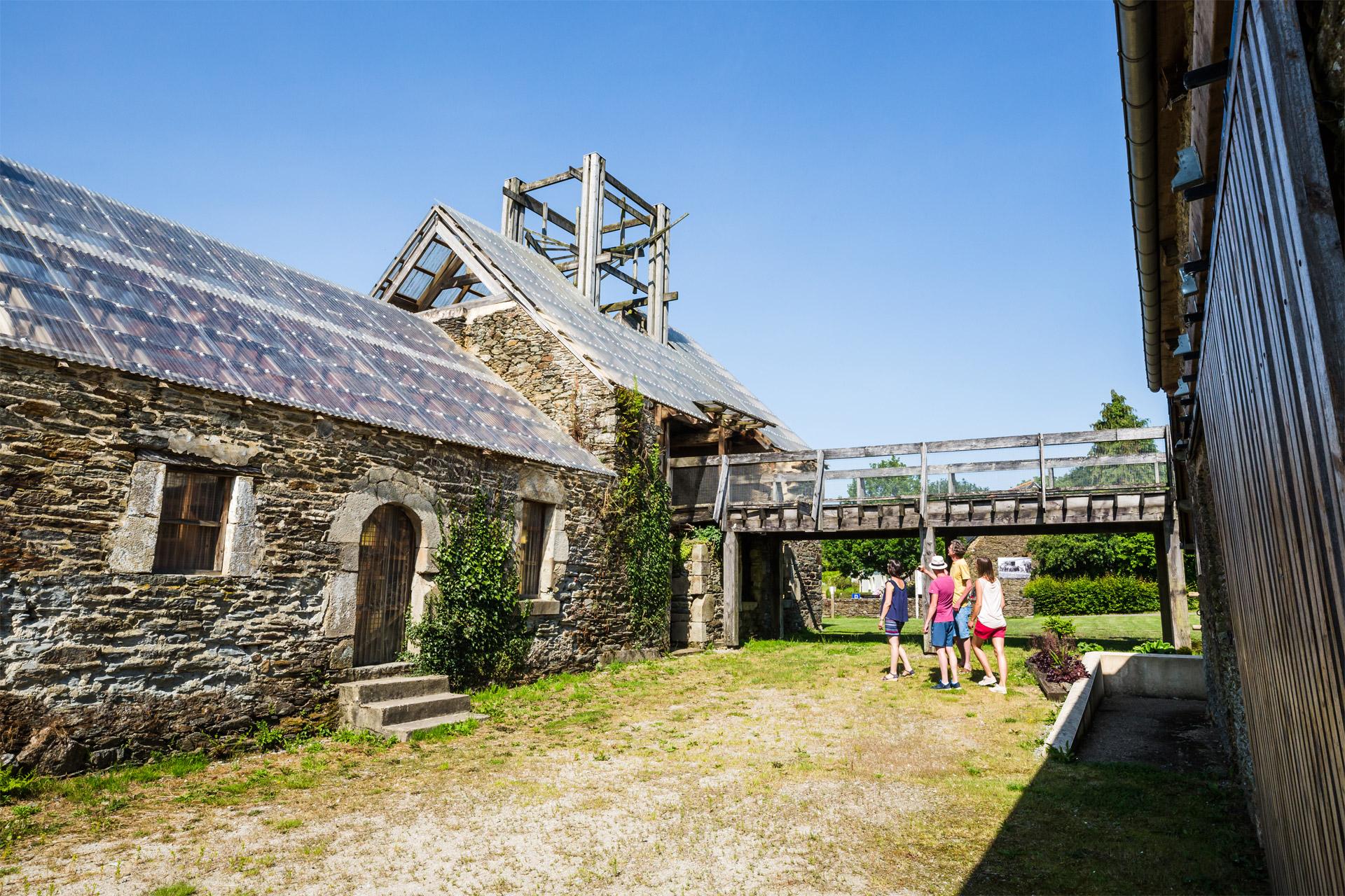 Memoire en demeure, Saint-Thelo