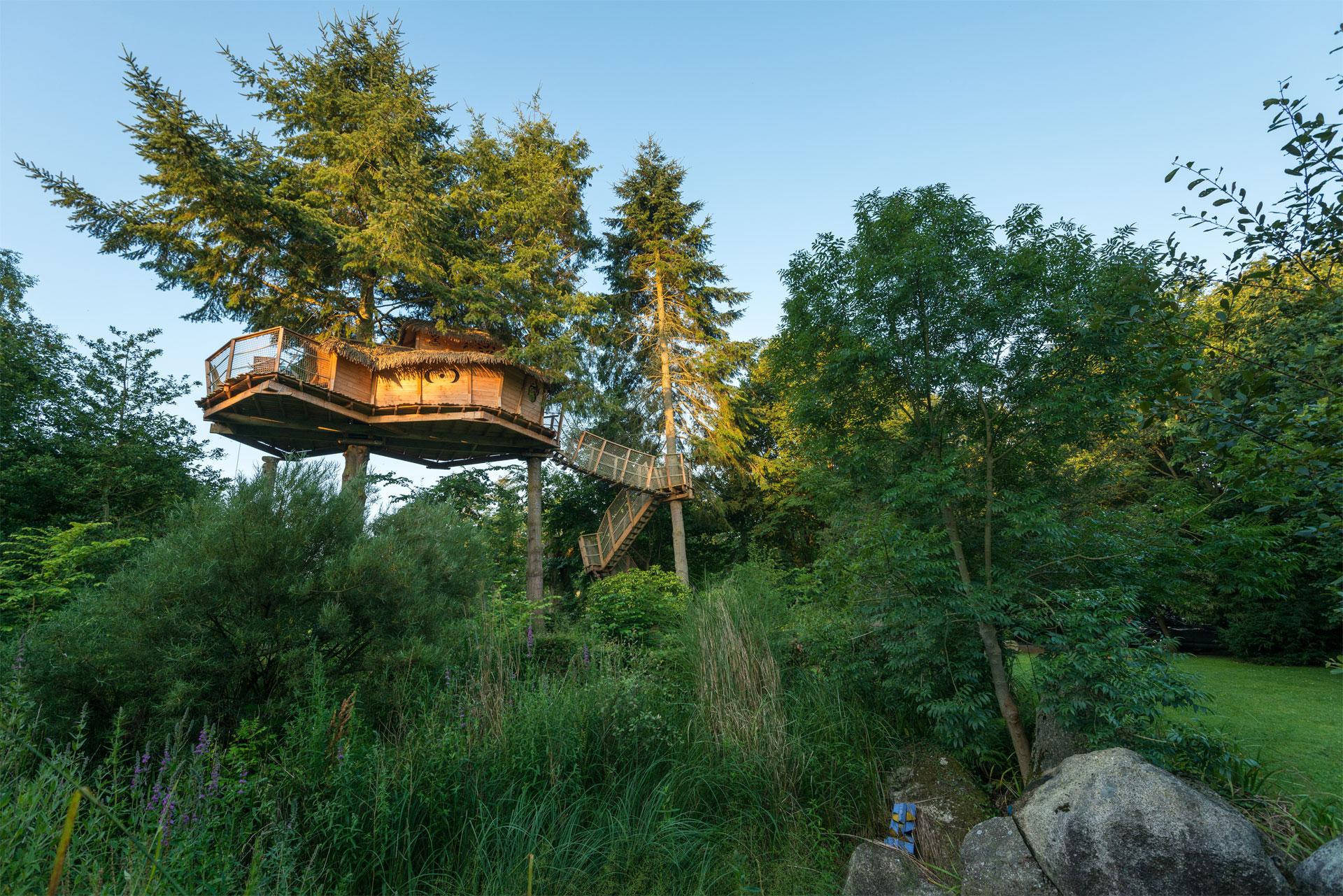 Cabanes dans les arbres, Pléhedel