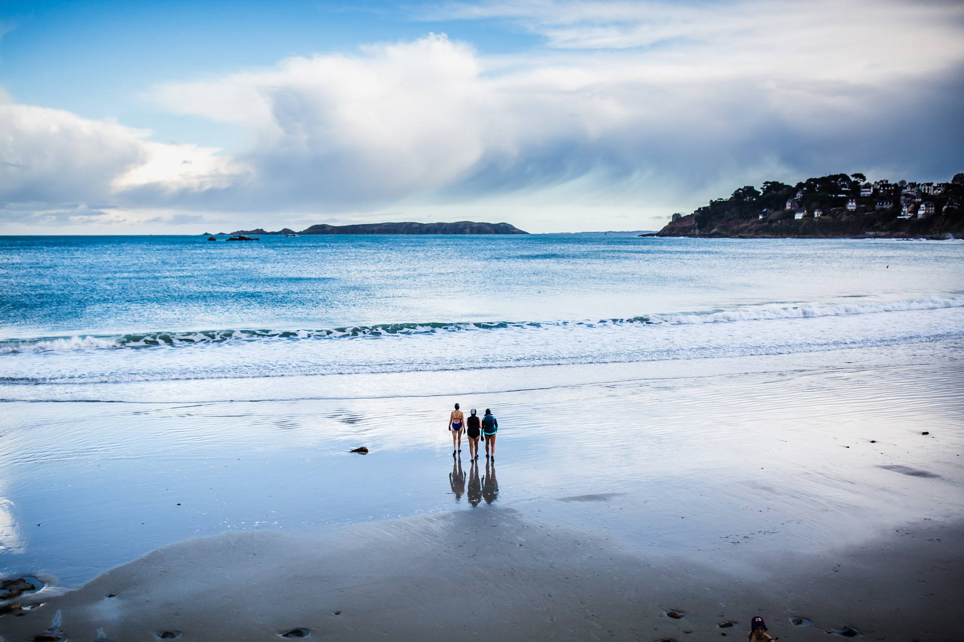 Baigneurs sur la plage de Trestraou, Perros-Guirec